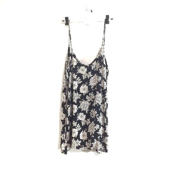 Brandy Melville Dresses & Skirts - Brandy Melville Floral Lynette Open Back Dress